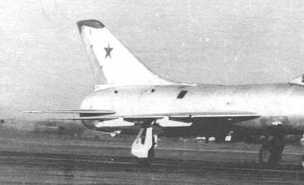 8.Су-9 из 894-го ИАП на пробеге. Озерное. 1976 г.