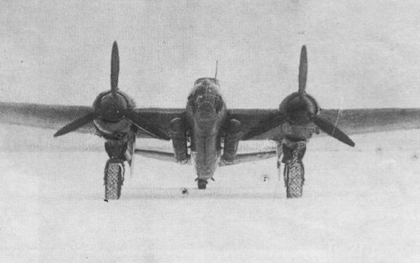 8.Торпедоносец Ту-2Т (62Т). Вид спереди..