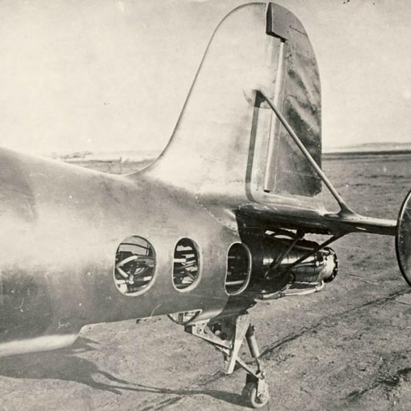 8.Жидкостной ракетный двигатель Д-1-11000 конструктора Л.С. Душкина на самолете БИ-1.