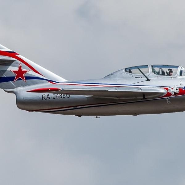 9.МиГ-15УТИ в полете. 3
