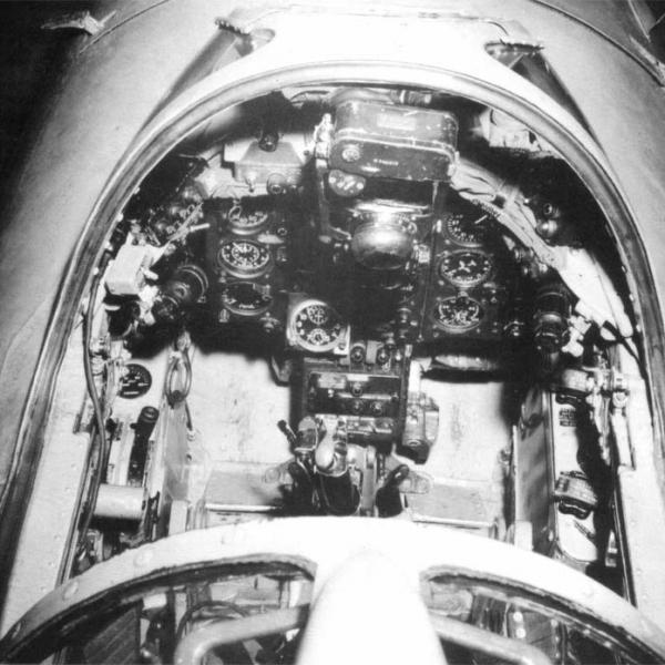 9.Приборная доска МиГ-17.