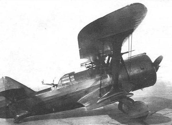 9.Серийный ДИ-6и № 81034 на испытаниях в НИИ ВВС. Октябрь 1937 г.
