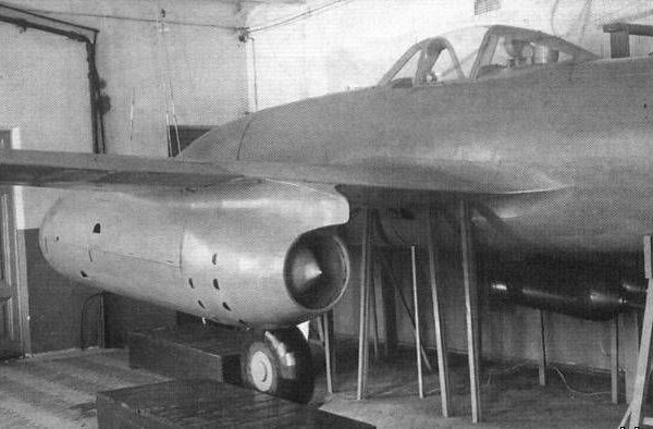 9.Су-9 (первый) в кач-ве учебного пособия.