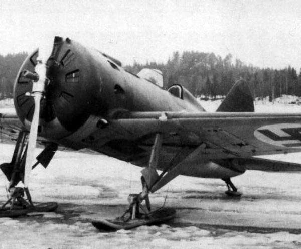 9.Захваченный финами И-16 тип 18.
