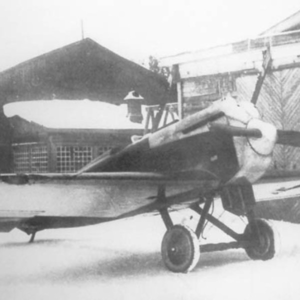 9а.Серийный И-1 во дворе завода № 1