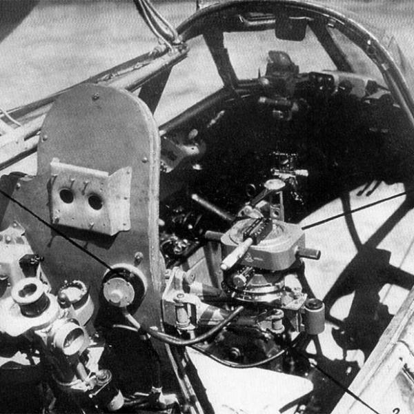 9г.Кабины пилота и штурмана Ту-2.