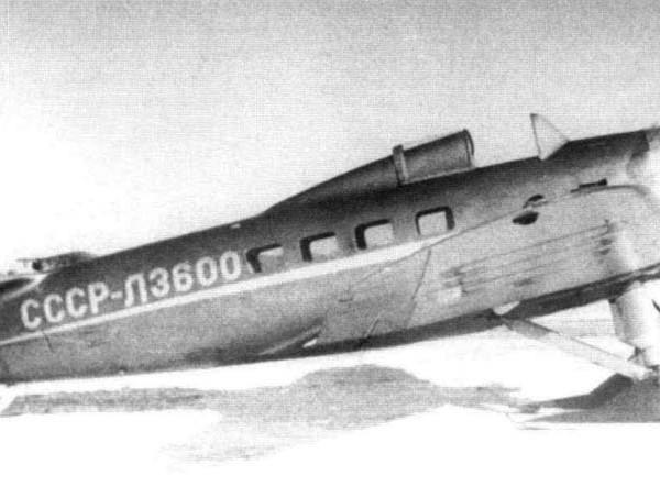 Легкий транспортный самолет ПР-12.