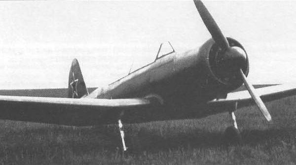opytnyj-yak-18-s-motorom-m-12