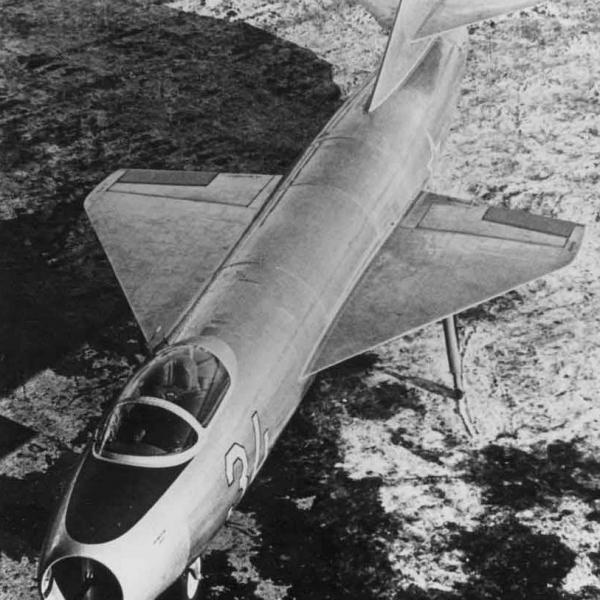 1.Экспериментальный Як-1000. 2