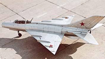 1.Экспериментальный истребитель Е-5.