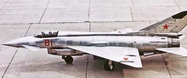 1.Экспериментальный истребитель Е-8-1