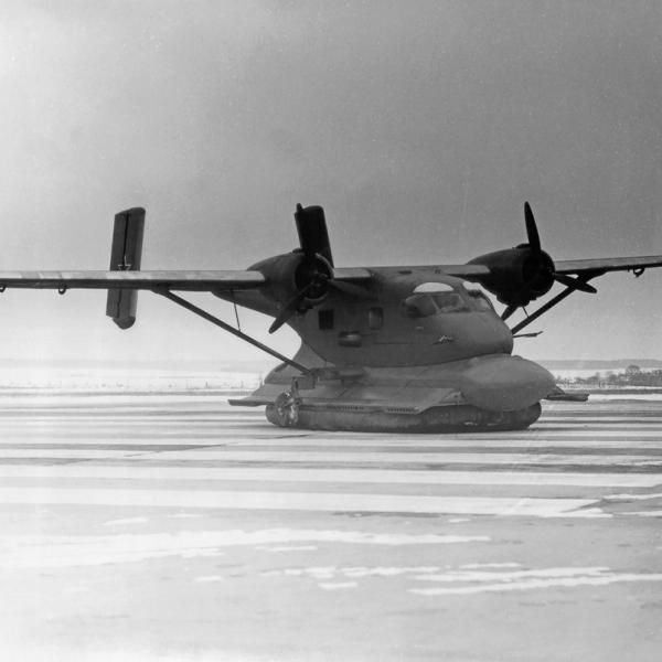 1.Экспериментальный самолет на воздушной подушке Ан-14Ш.
