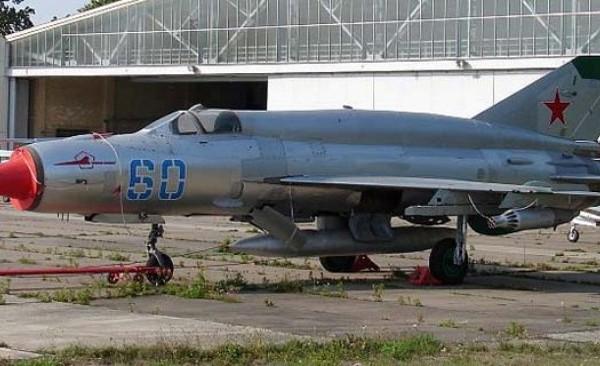 1.Истребитель-перехватчик МиГ-21МТ.