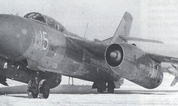1.Опытный перехватчик Як-28П с двигателями Р-11АФ-300