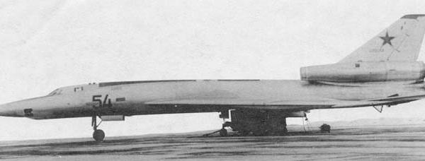 1.Первый Ту-22П.