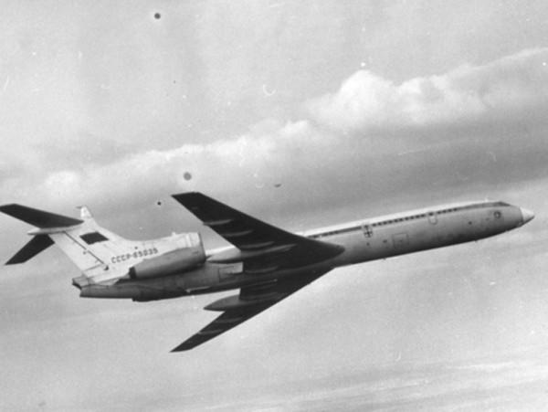 1.Ту-155 на заводских испытаниях.