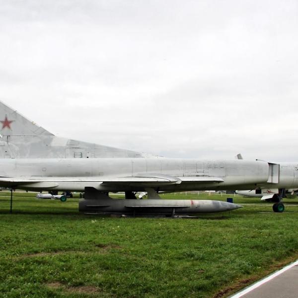 10.Ту-22М2 на стоянке Музея Дальней авиации.