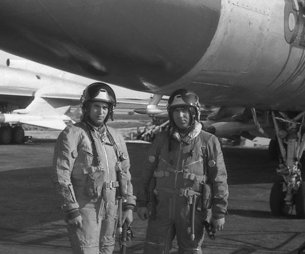 11.Экипаж Ту-128 перед вылетом.