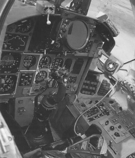 11.Кабина летчика МиГ-31М.