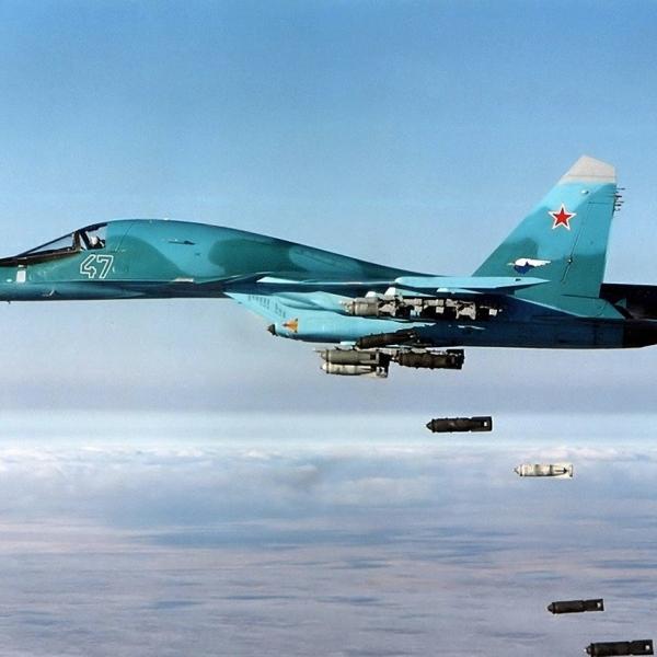 12.Су-34 проводит бомбометание.