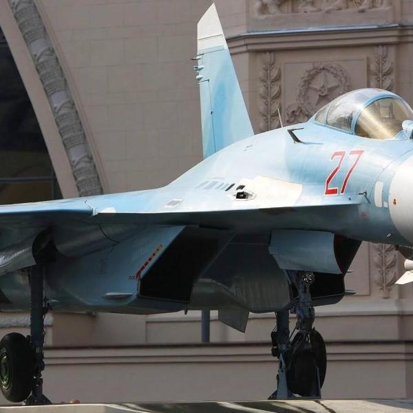 16а.Су-27 в экспозиции ВДНХ