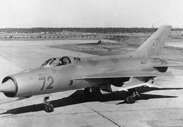 1а.МиГ-21П (Е-7-2)