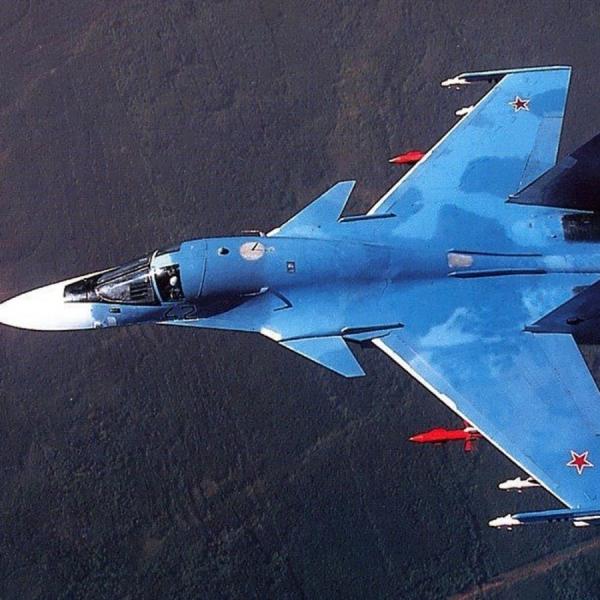 1а.Опытный Су-27ИБ (Т-10В-1) в полете.