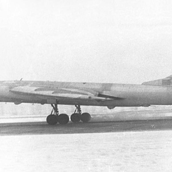 Этот Ту-16П Букет в 184-м авиаполку РЭБ получил собственное имя Нина