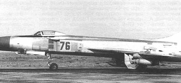 2.Су-15ТМ с подвешенными УПК-23-250 и блоками УБ-32