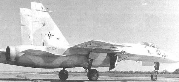 2.Т-10-1 во время заводских испытаний.