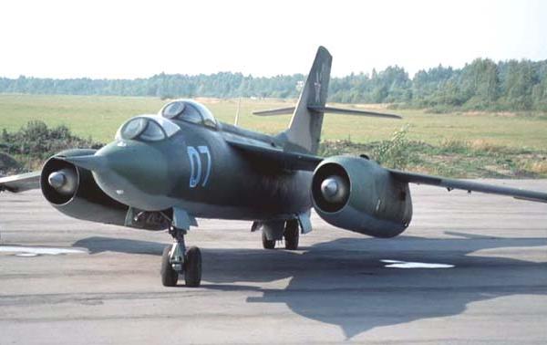 2.Як-28У на стоянке. 2