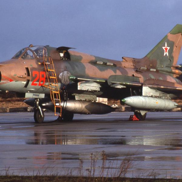 2б.Су-17М4 на стоянке. 2