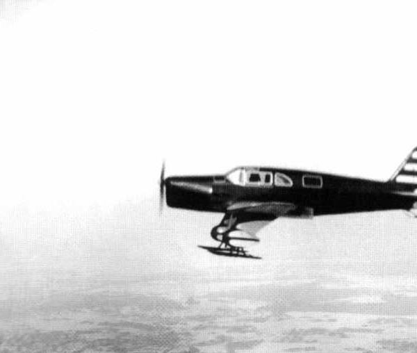 3.АИР-11 на лыжах в полете. Москва, Центральный аэродром. 1936 г.