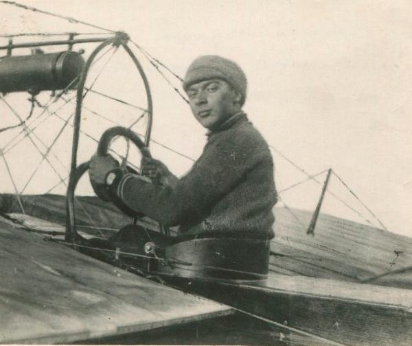 3.Авиатор Н.Д.Анощенко. 1912 г