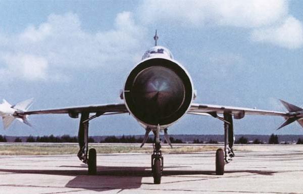 3.Е-152. Вид спереди..jpg