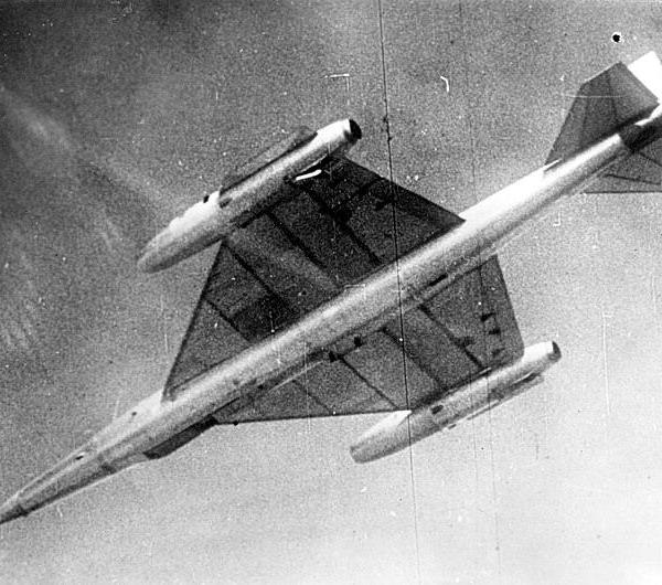3.НМ-1(РСР) в полете.