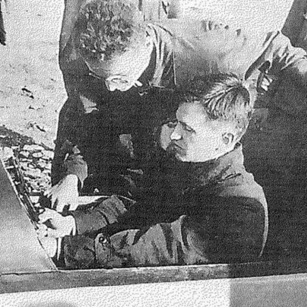 3.O.K.Антонов в кабине БА-1. А.А.Борин рядом.