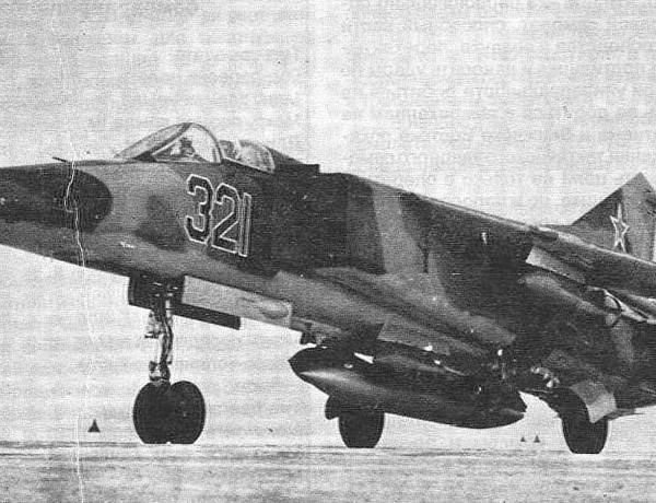 3.Первый прототип МиГ-23Б. 2