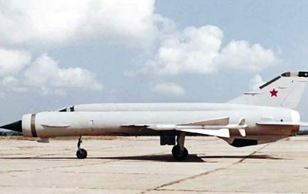 4.Е-152М