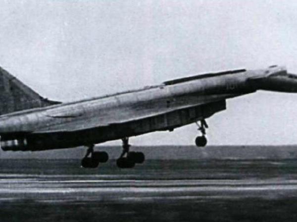 4.Т-4 на посадке.
