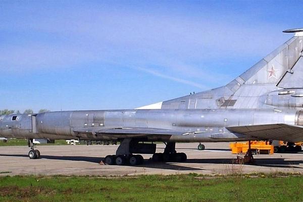 4.Третий летный Ту-22М0 на аэродроме Иркутского ВВАИУ.