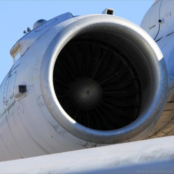 5.Экспериментальный турбореактивный двухконтурный двигатель НК-88 на Ту-155.