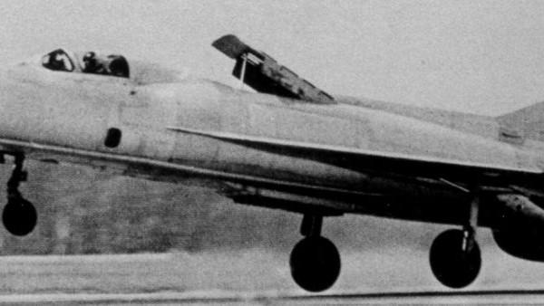 5.МиГ-21ПД (Е-7ПД) на взлете.