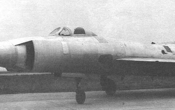 5.Опытный самолет Т-49.