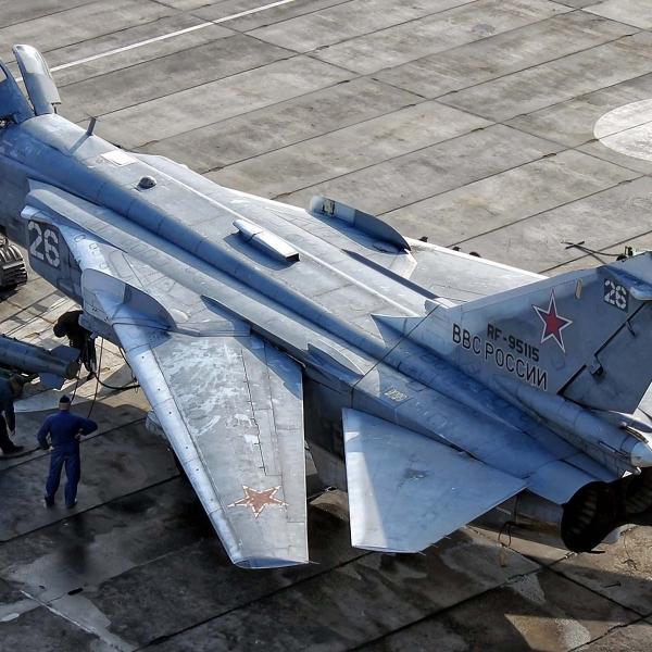 5.Су-24М на стоянке.