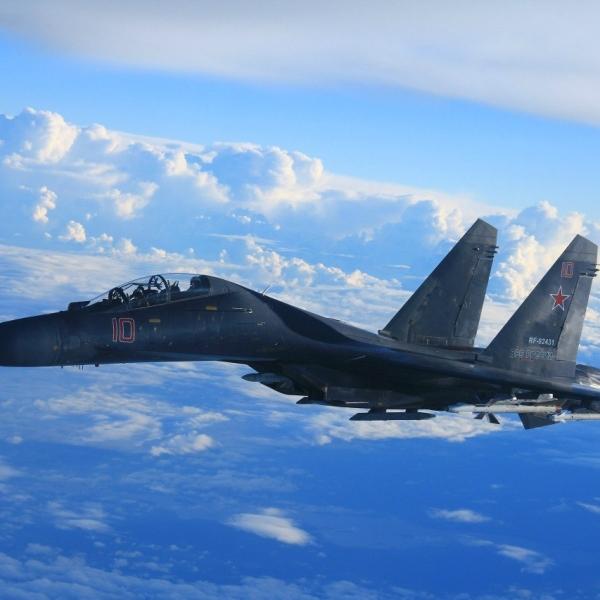 5.Су-27УБ в полете.