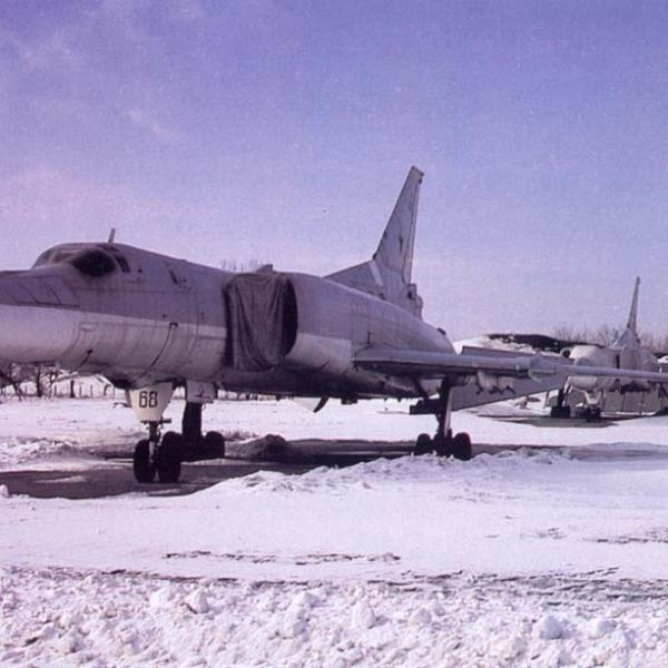 5.Ту-22М2 на стоянке