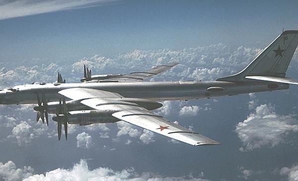 5.Ту-95КМ в полете.