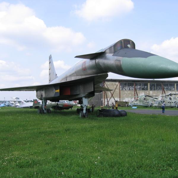 6.Бомбардировщик-ракетоносец Т-4 в музее ВВС Монино.