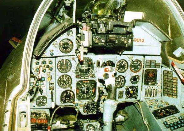 6.Кабина пилота Су-22М4 до модернизации.